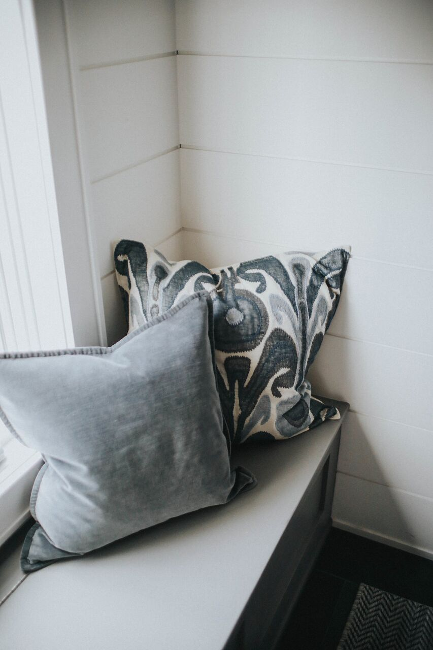 CB mudroom window seat detail WhitneyNicholsPhotography-6064_preview.jpg