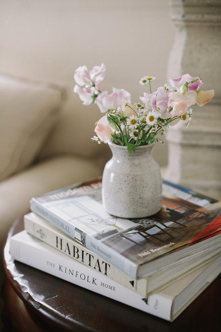 Teaselwood Sweet Pea Vase