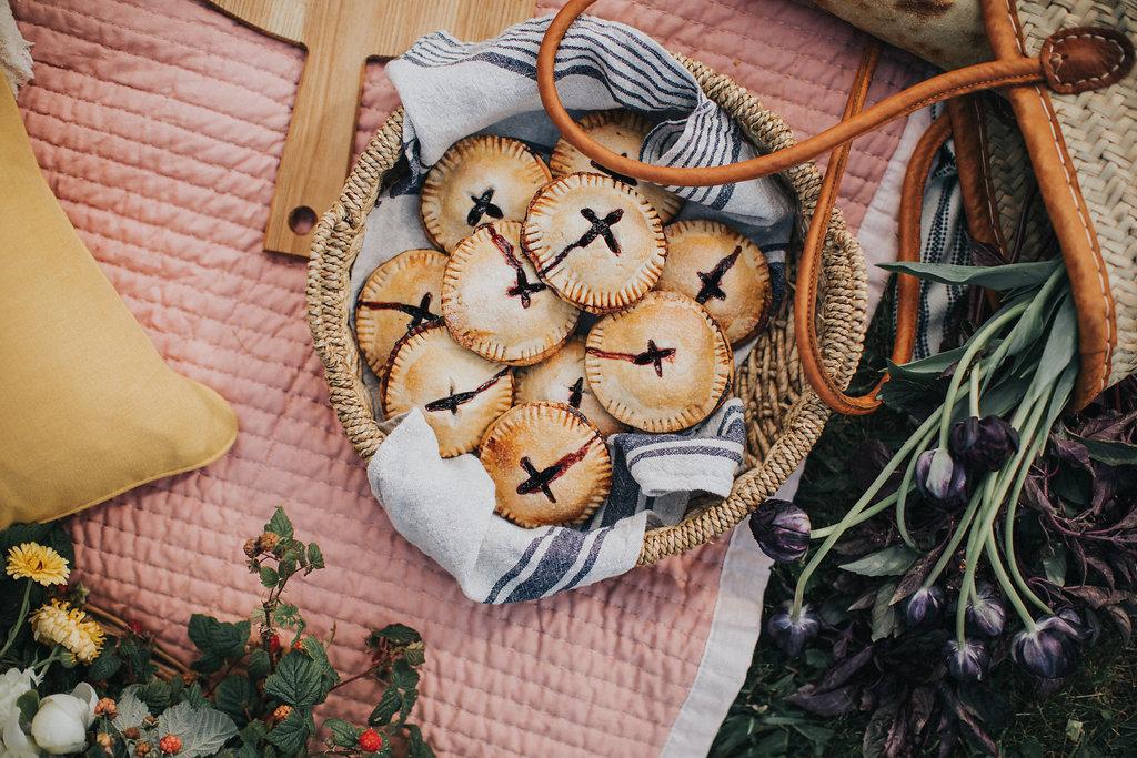 lake-side-picnic-handpies