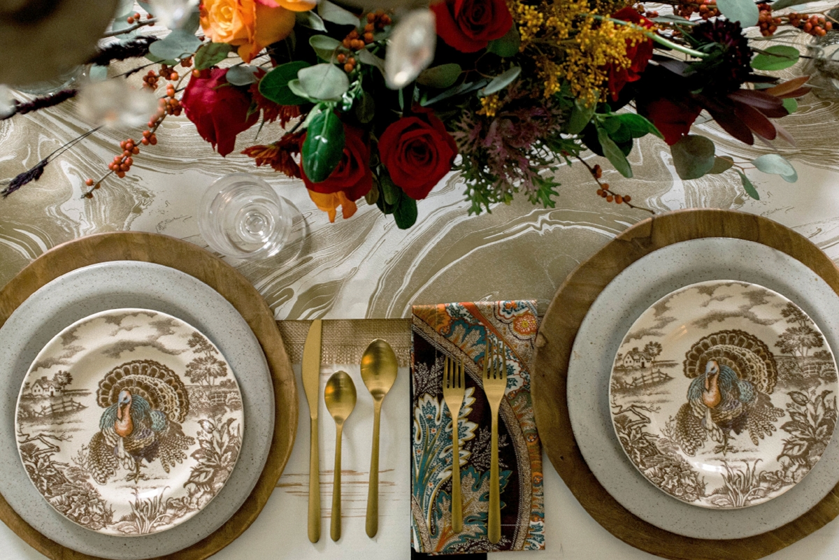 A Festive Elegant Thanksgiving Table Setting Idea For