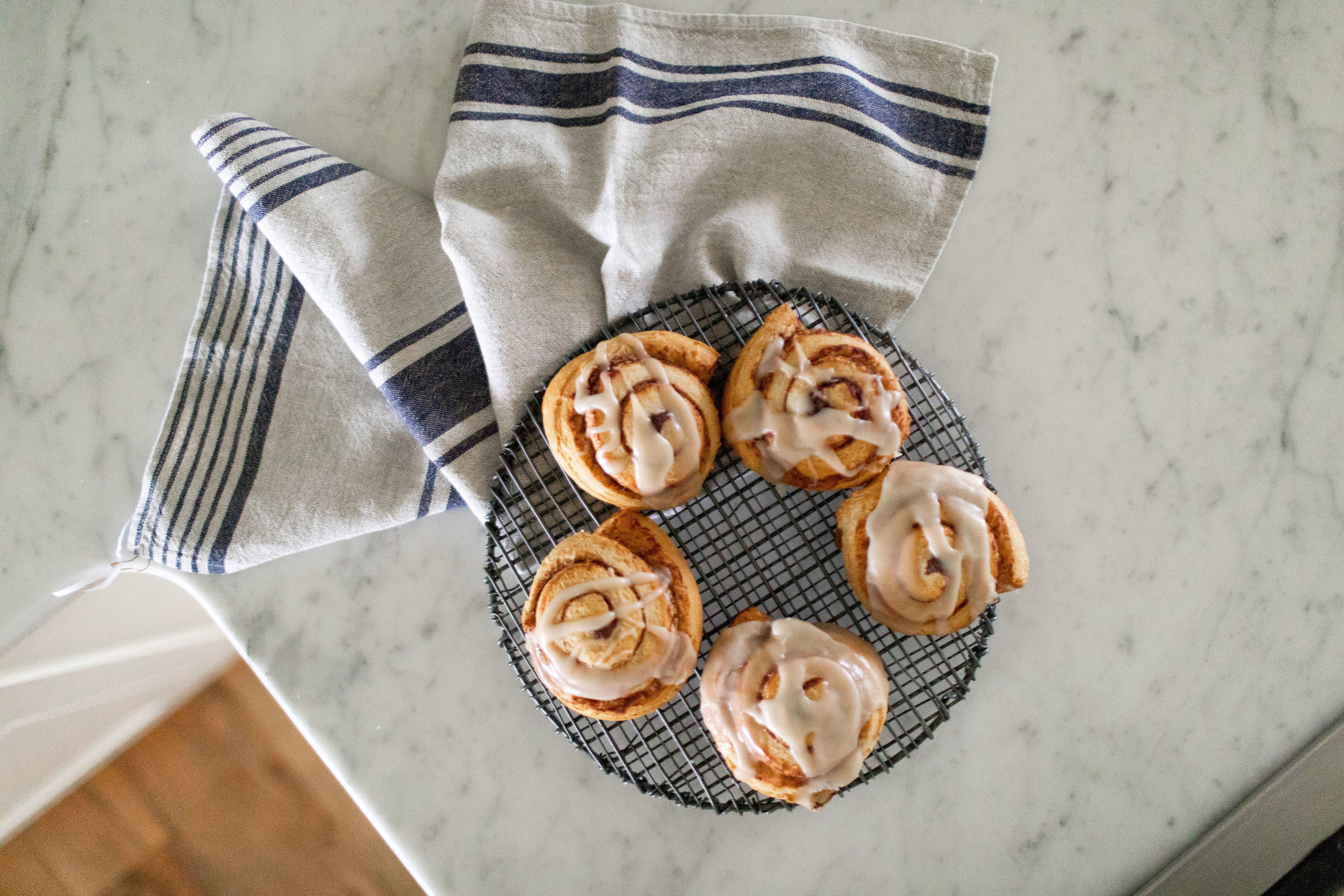 Christmas Morning Cinnamon Rolls
