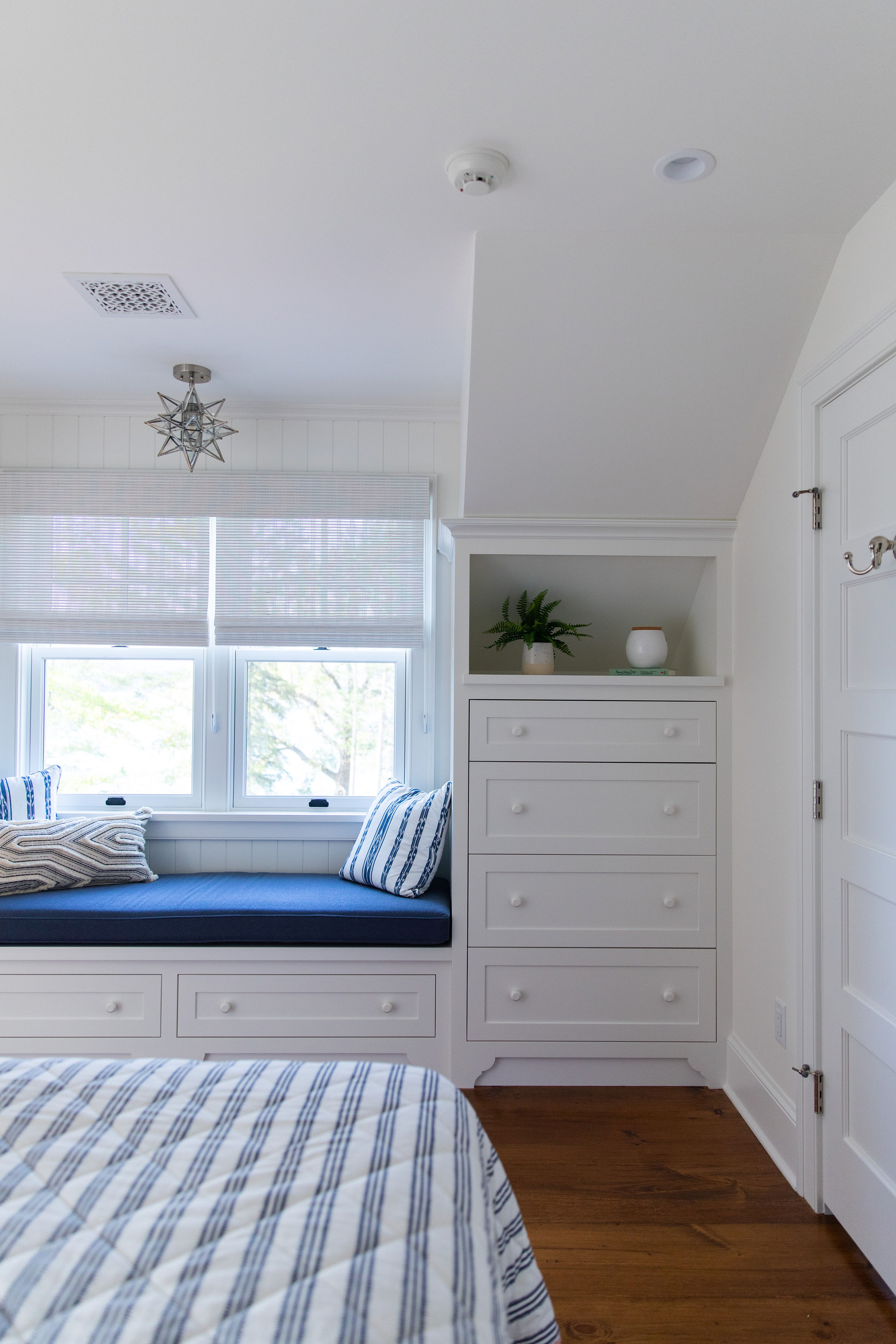 Cottage Bedroom Design Ludlow Vermont