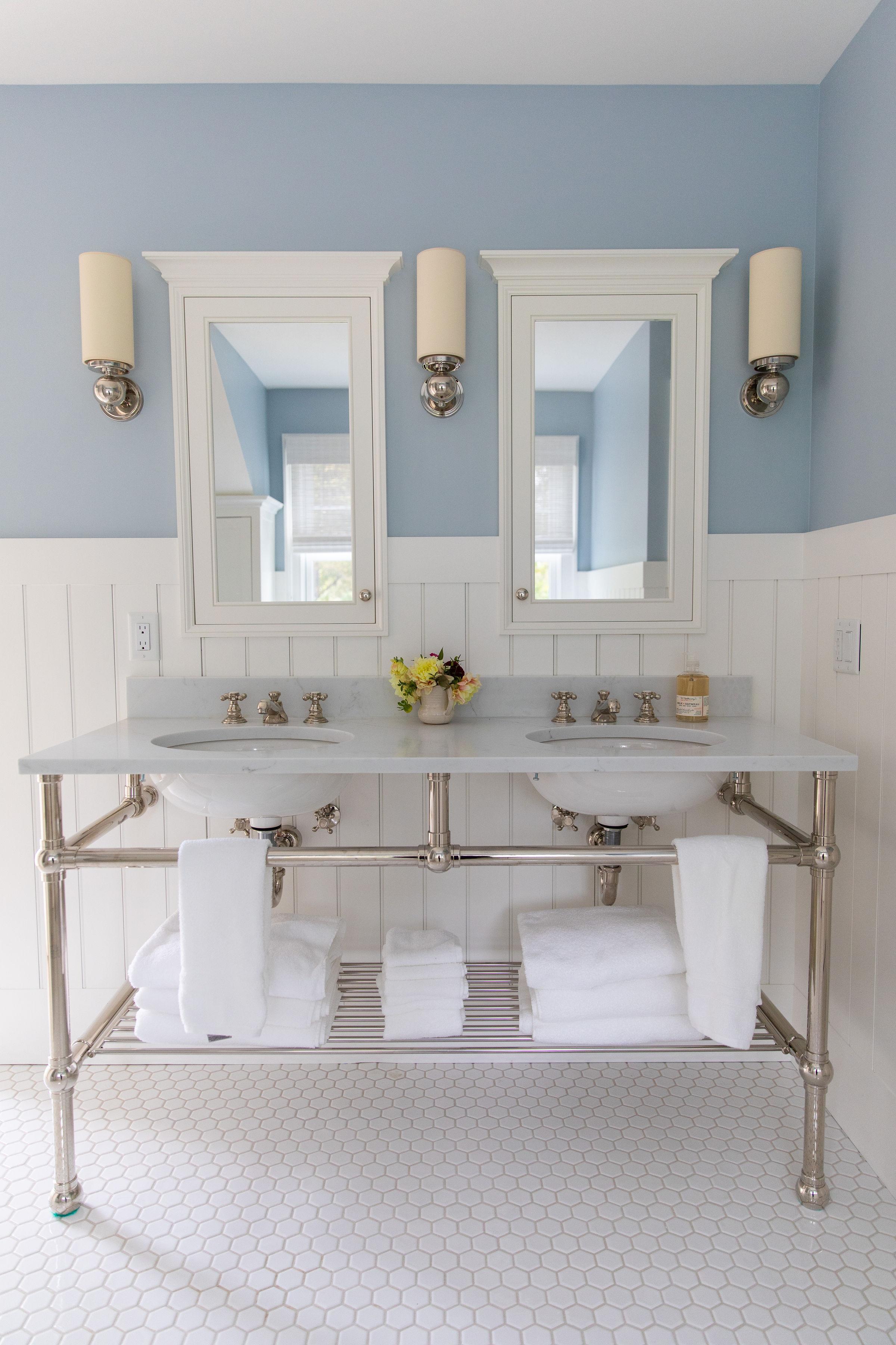 White bathroom tile and design Ludlow Vermont