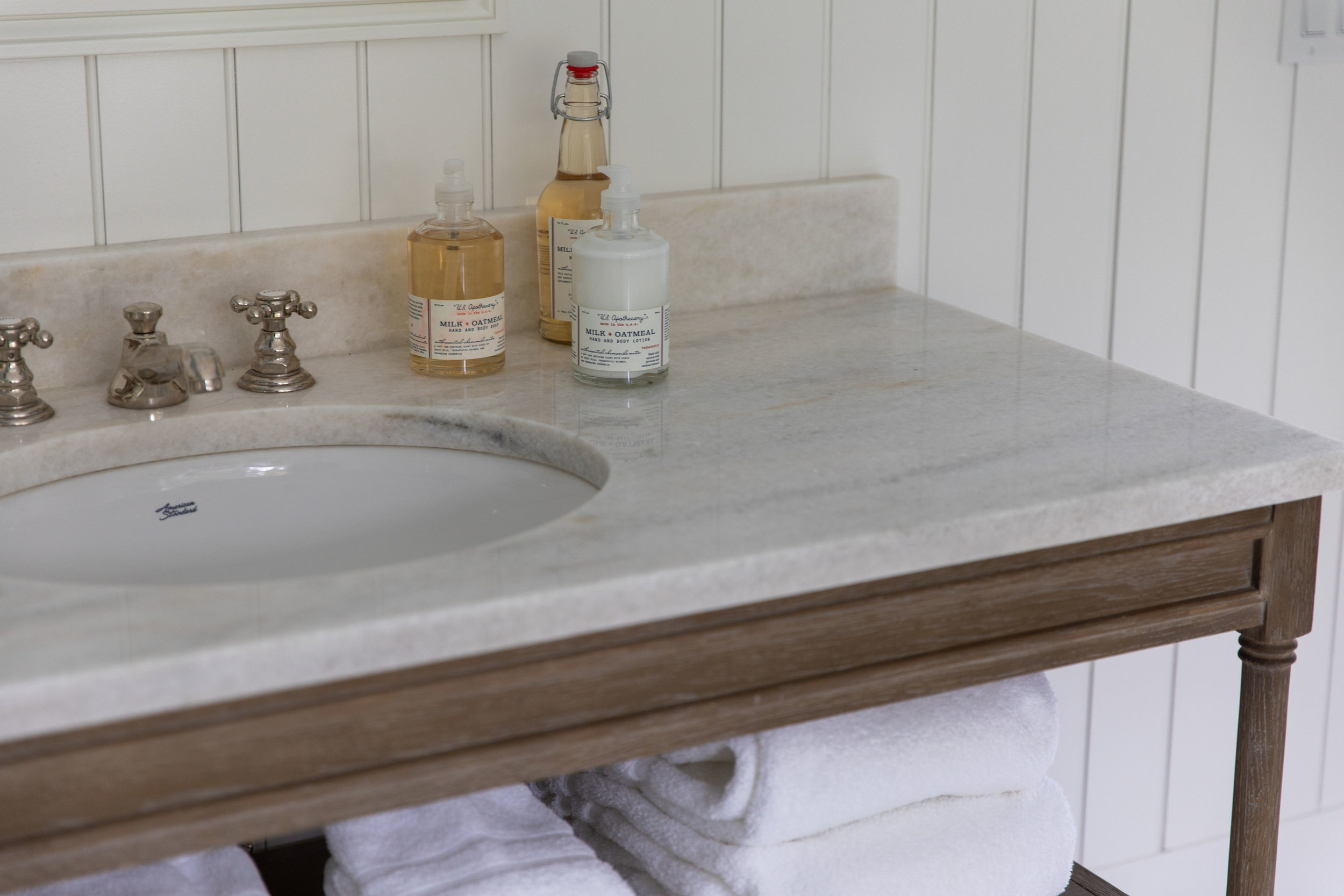 Bathroom-vanity-design