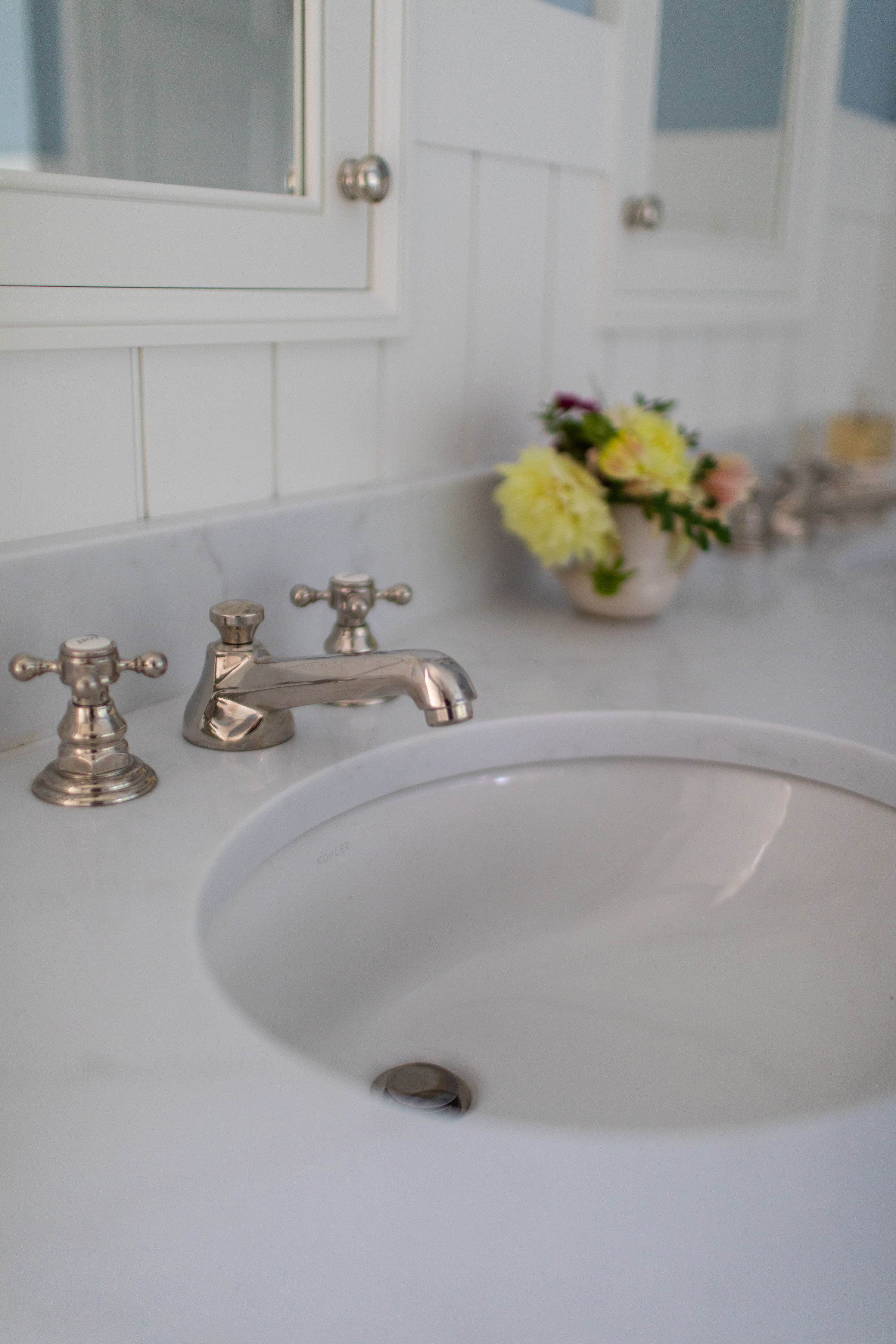 White-Bathroom-vanity