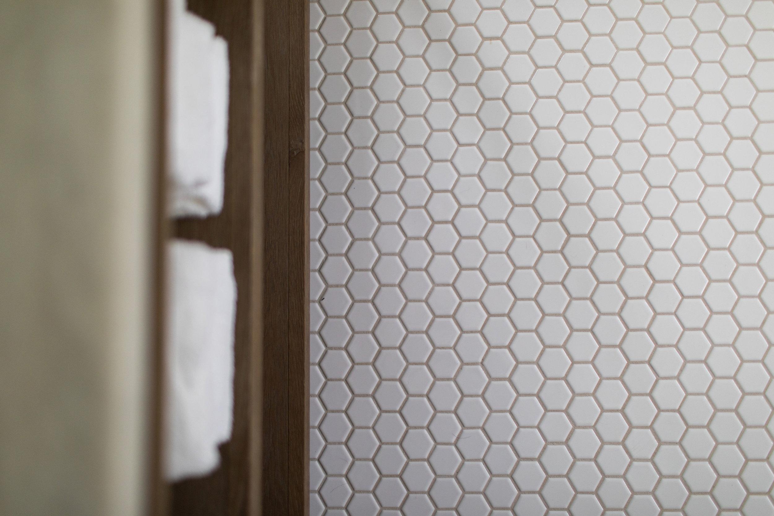 bathroom floor tile size advice
