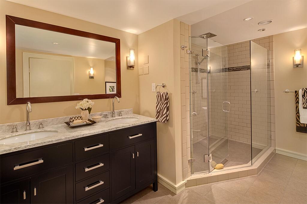 bathroom_mls.jpg