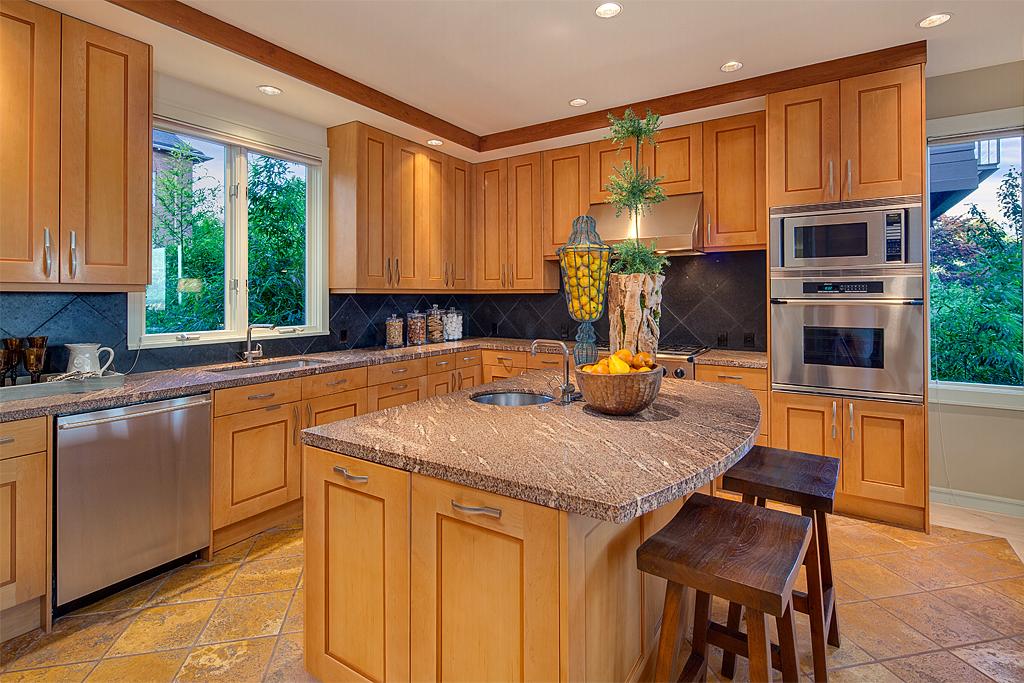 kitchen_mls.jpg