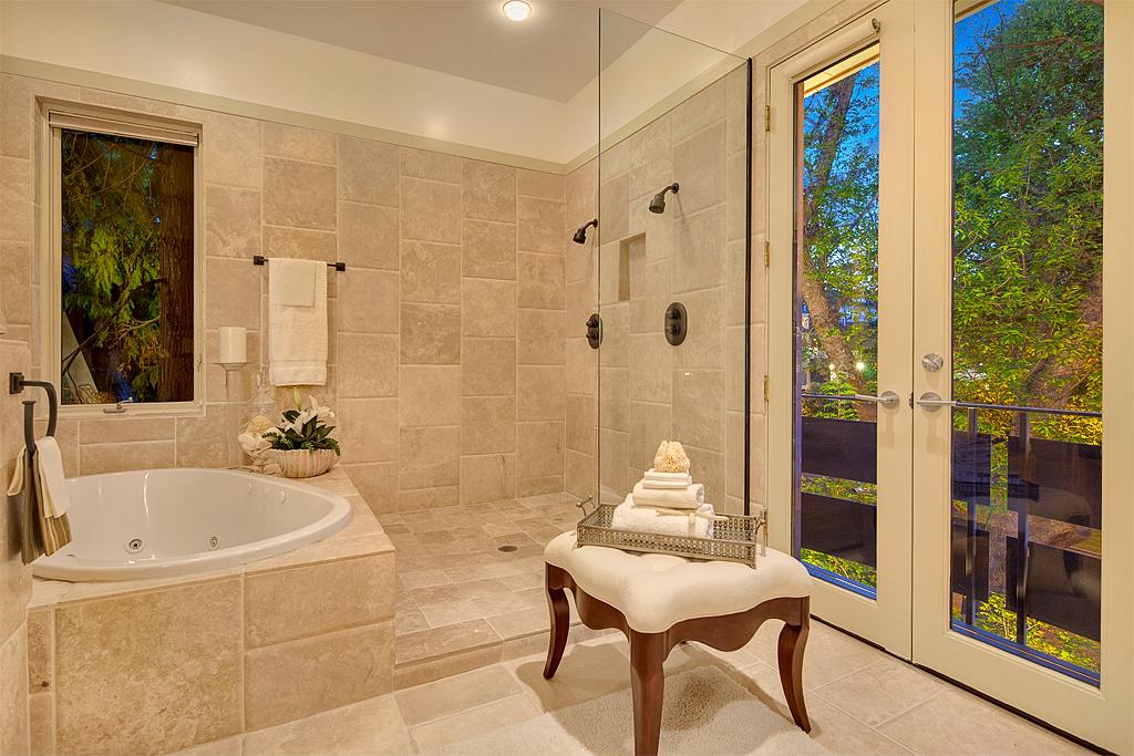 masterbathroom2_mls.jpg