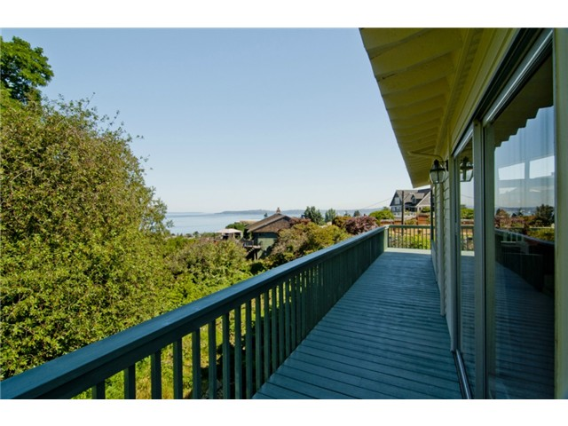 $875,000 | 4 Bedrooms, 2.5 Baths - West Seattle
