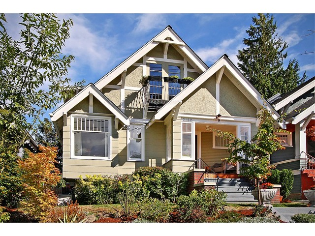 $870,000 | 4 Bedrooms, 1.75 Baths - Queen Anne