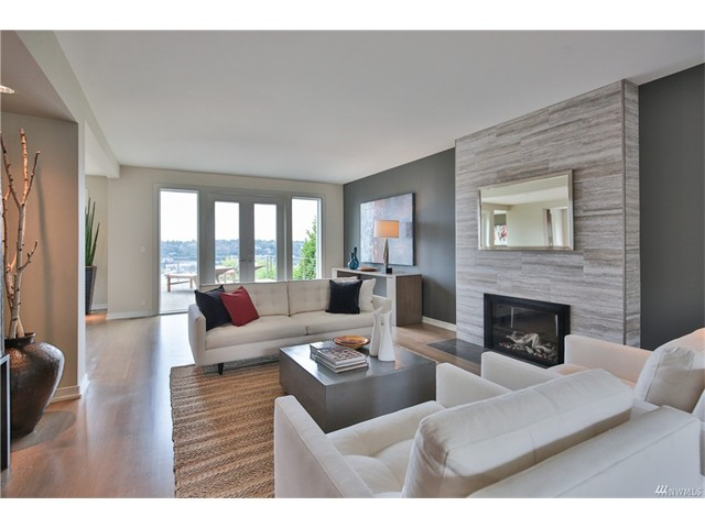 $2,850,000 | 4 Bedrooms, 3.25 Baths - Queen Anne