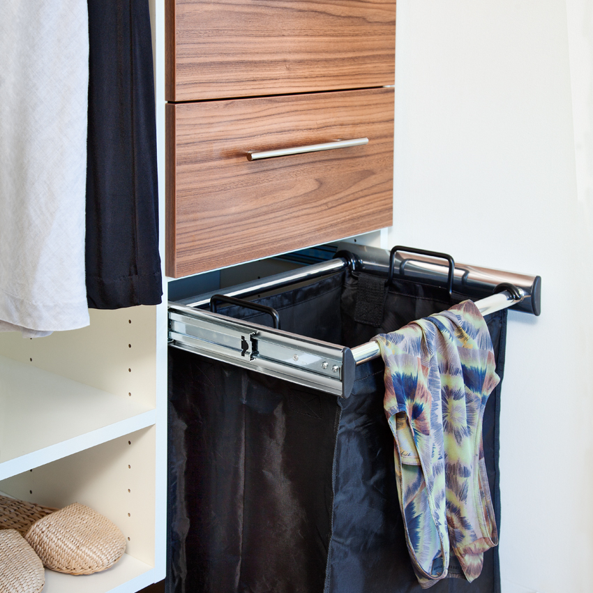 Pull-out Hamper with Removable Black Bag