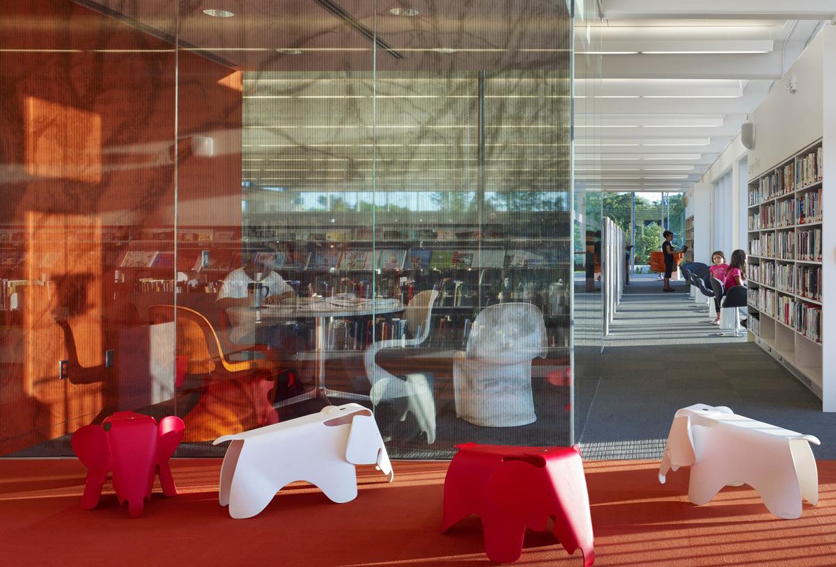 MPL Port Credit Library Interior 04