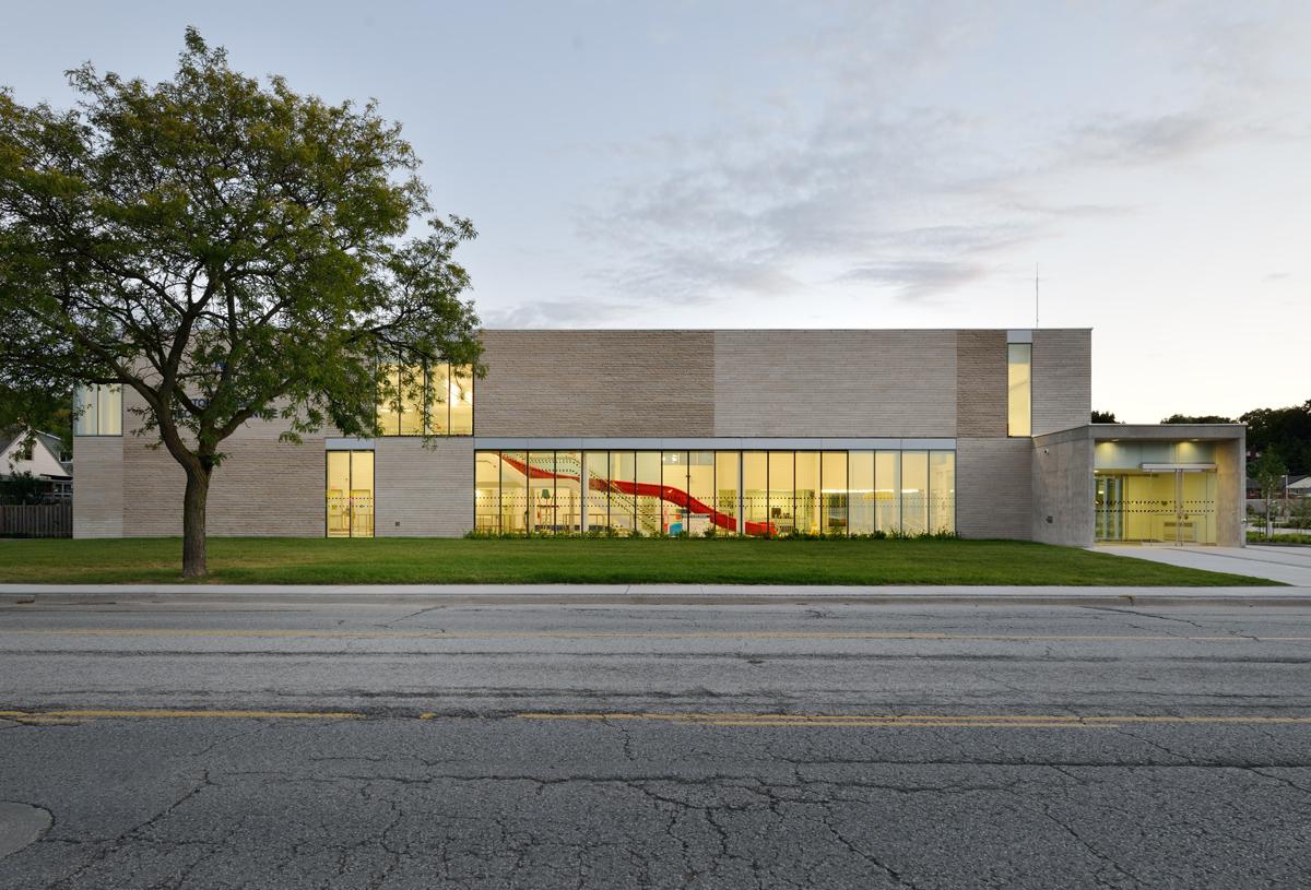 Stoney Creek Recreation Centre Exterior 01