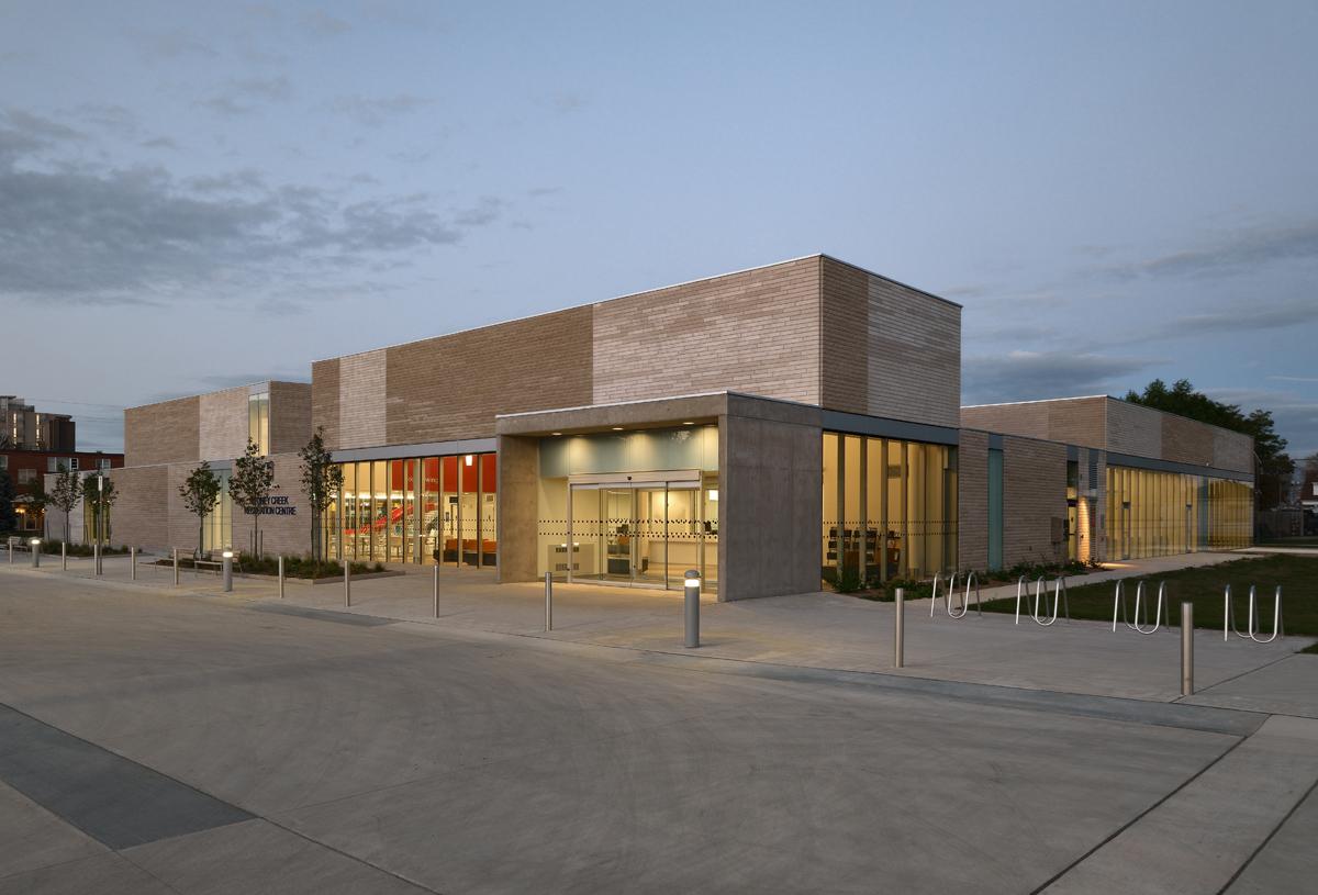 Stoney Creek Recreation Centre Exterior 03