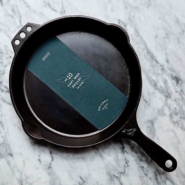 HIP LIST - Need a gift idea for the person in your life who loves to cook? Gift them with a premium @smitheyironware cast iron skillet and I promise you it will knock their socks off.