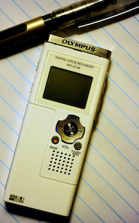 Olympus_Digital_Voice_Recorder_WS-321M.jpg