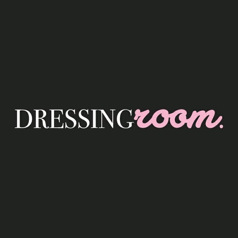 - La Boutique Dressingroom maintenant disponible en ligne sous forme d'outlet.Des looks chics, tendances et confortables toute l'année.Pour voir les nouvelles collections, rendez-vous à la Boutique Dressingroom au 157 rue Hériot, Drummondville, QC.