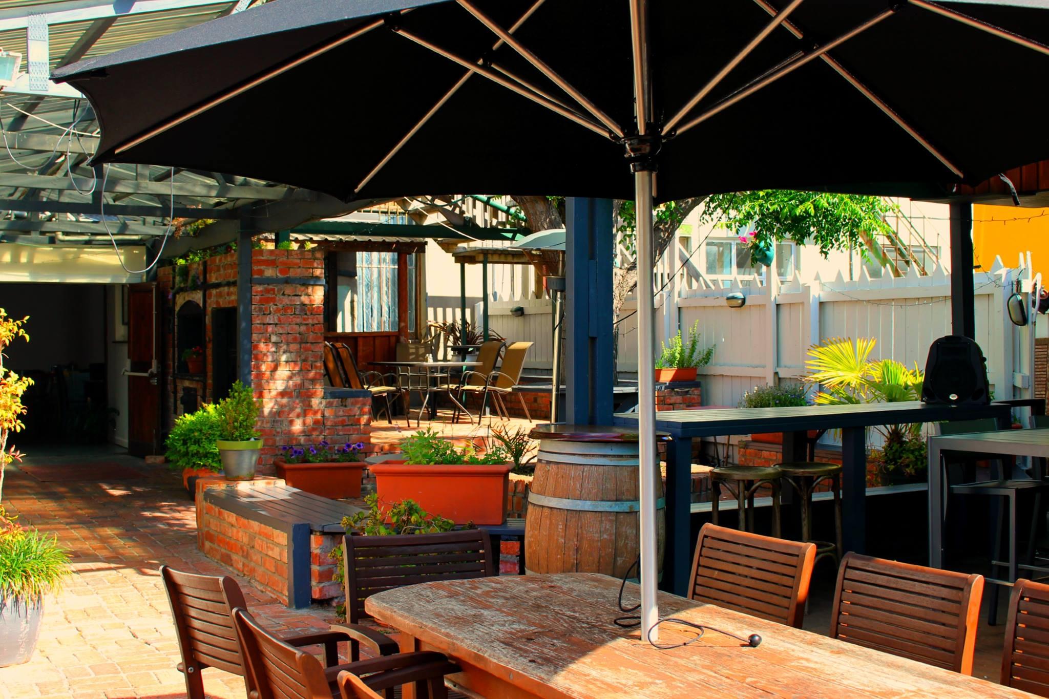 Garden Bar    100 standing