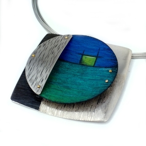 cir.square.blu.greens.neck.jpg