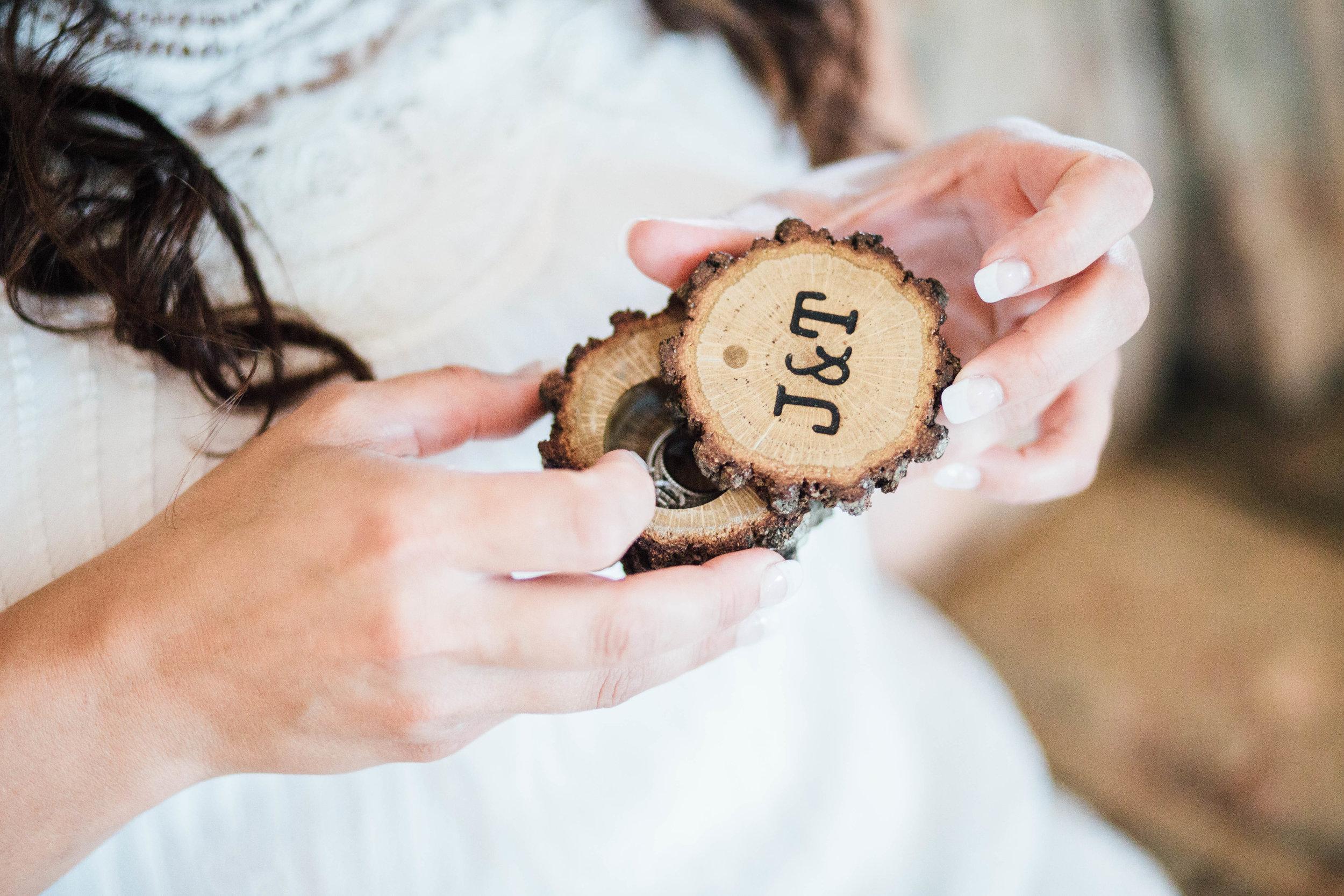 Bohemian Wedding - Sabrina Leigh Studios - Northern Michigan Wedding Photographer032.jpg