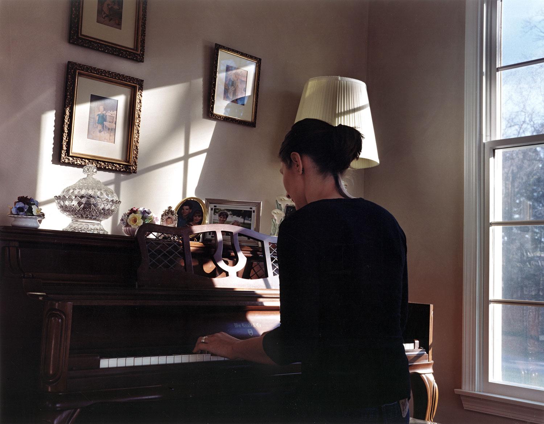 sarah.piano.jpg