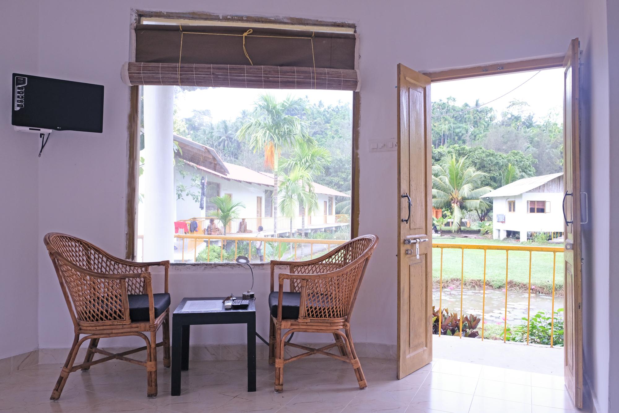 Room-chairs-2.jpg
