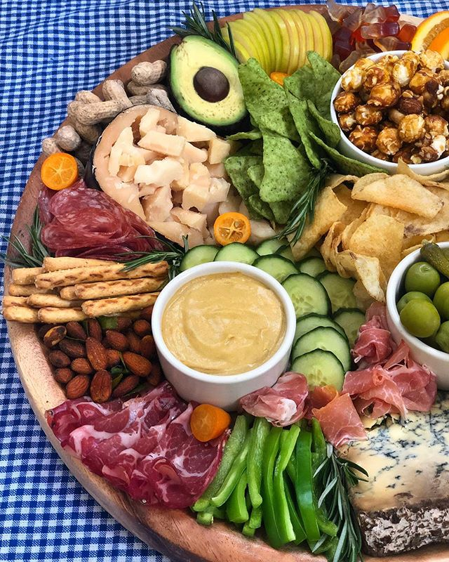 """Hosting a #WorldCup party or any type of GAME DAY gathering for that matter? Use the Father's Day board as your guide. 1️⃣ load up on meats 2️⃣ add spicy mustard and pretzels for dipping 3️⃣ include a variety of salty chips 4️⃣ pepper in peanuts & cracker jacks for nostalgia's sake 5️⃣ Color coordinate items based on your teams colors! 💚🧀💚For more on this spread, go to the """"Father's Day 🧀 Board"""" in the HIGHLIGHTS section on my profile. #AintTooProudToCheese • • • • • •  #ttcheeseboards #forkfeed #foodiechats #foodiesofinstagram #bestfoodworld #devourpower #feastagram #seriouseats #goopmake #sodomino #bhgfood  #f52green #📷🍴snapsfrommykitchen #eatmunchies #foodilysm #foodprnshare #todayfood #f52gram #seriouseats #shareyourtable #mydomaineeats #thekitchn #lifeandthyme #beautifulcuisines #cheeseplate #thatcheeseplate #ttcheeseboards"""