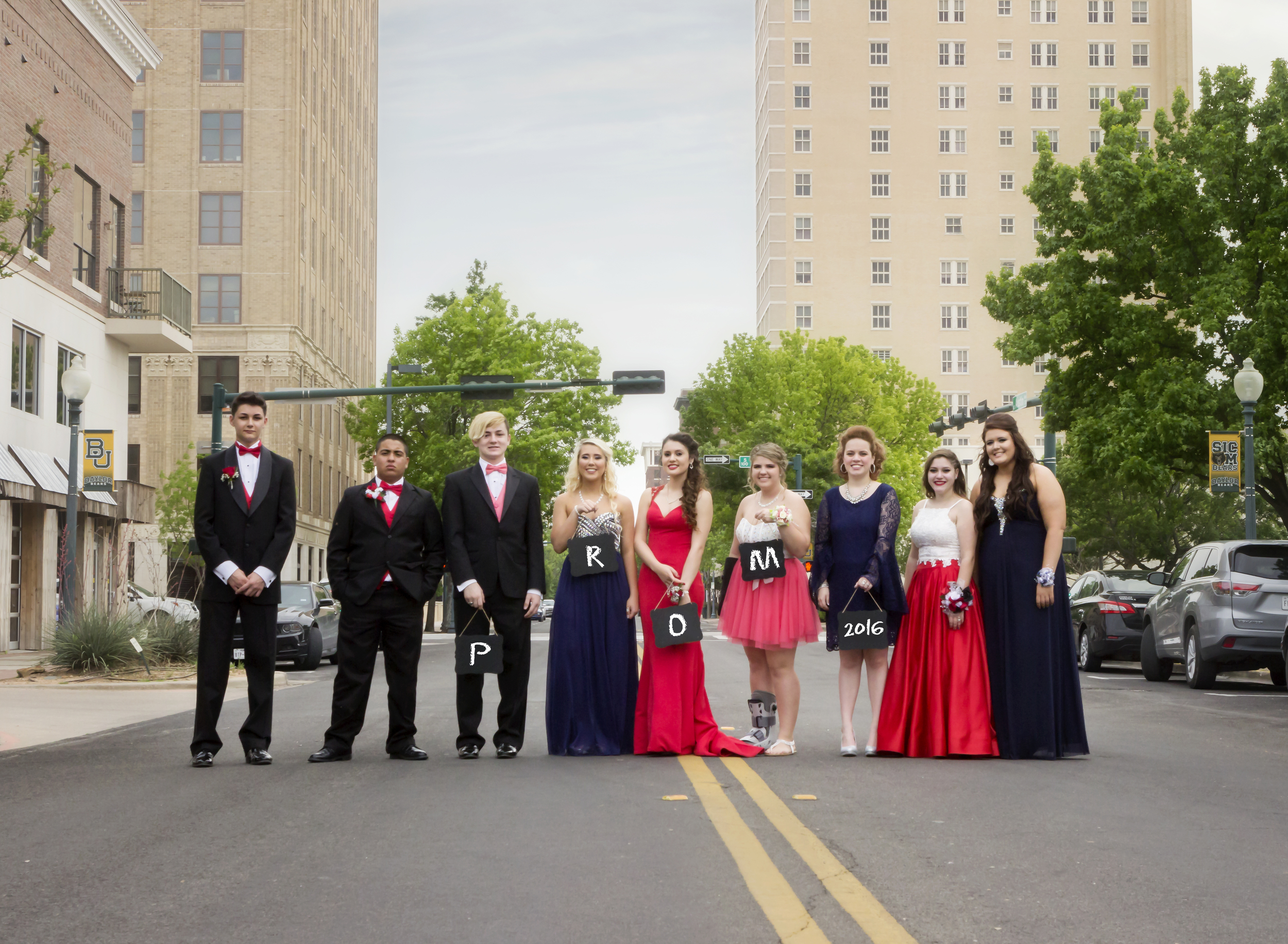 The prom party goers!
