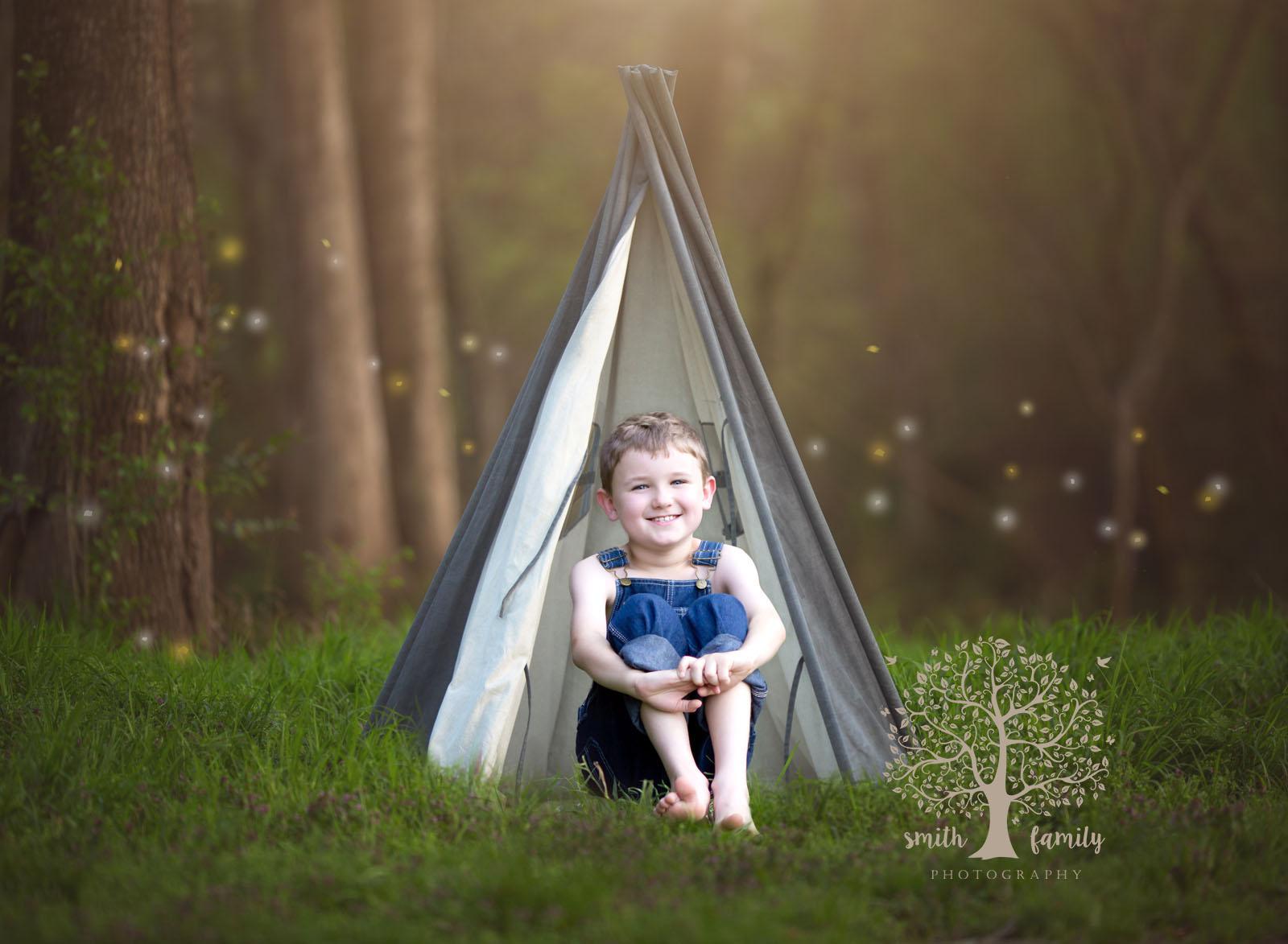 huckleberry_finn_tent_camping_smith_family_photography_waco