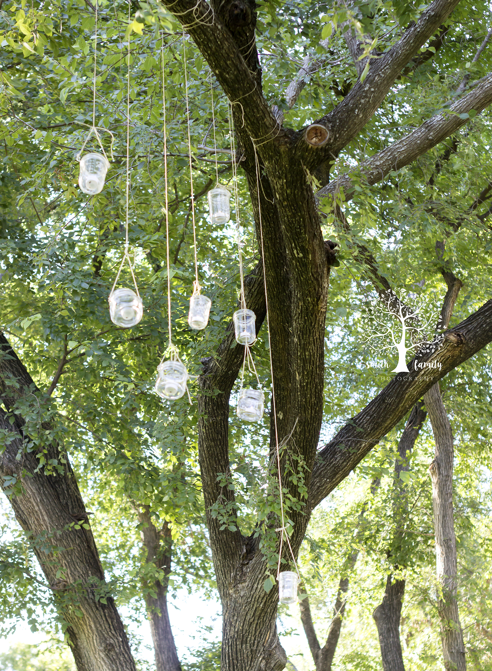 backyard_wedding_hanging_jar_lights_smith_family_photography_waco