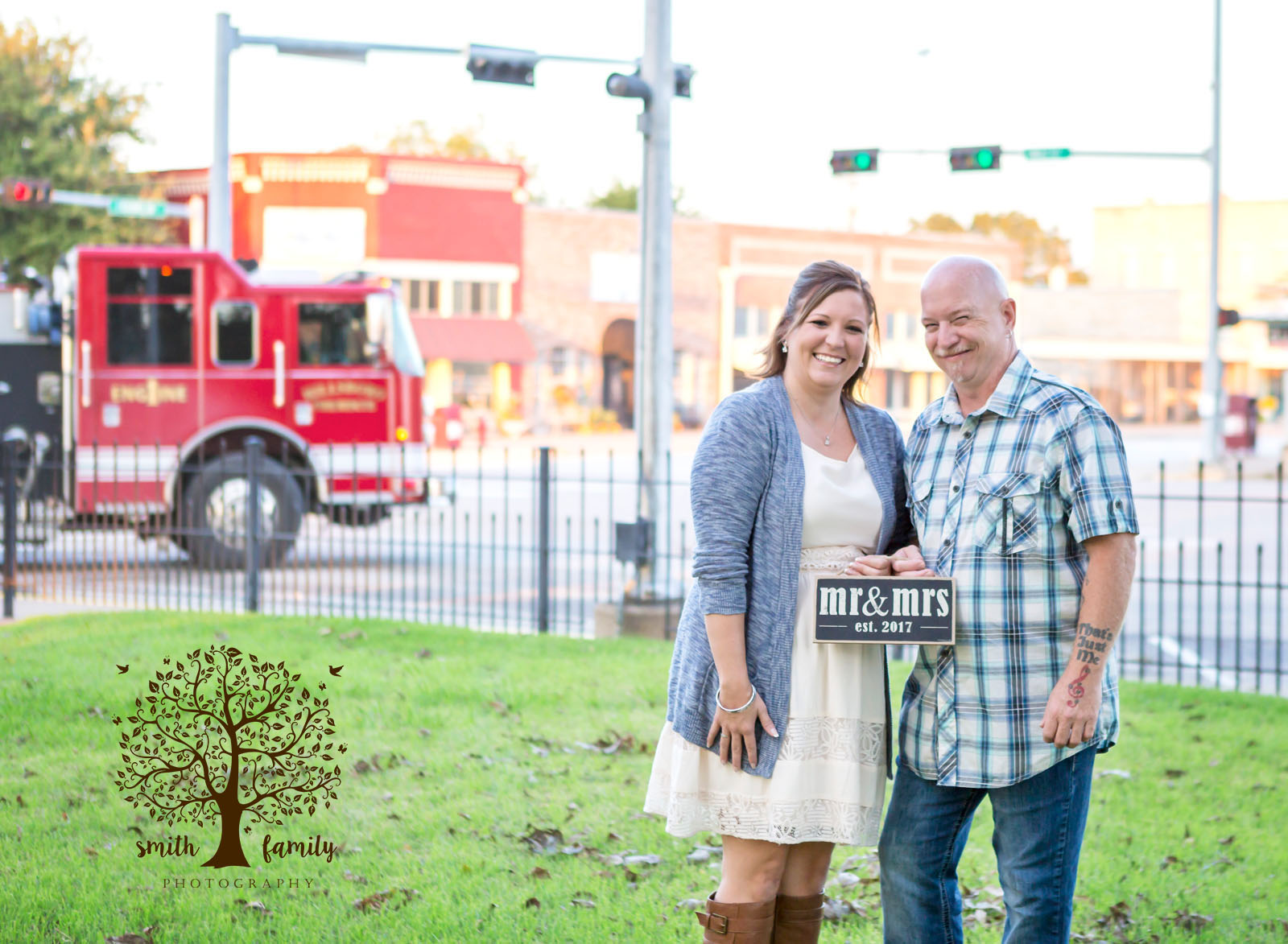 fire_truck_engagement_session_smith_family_photography