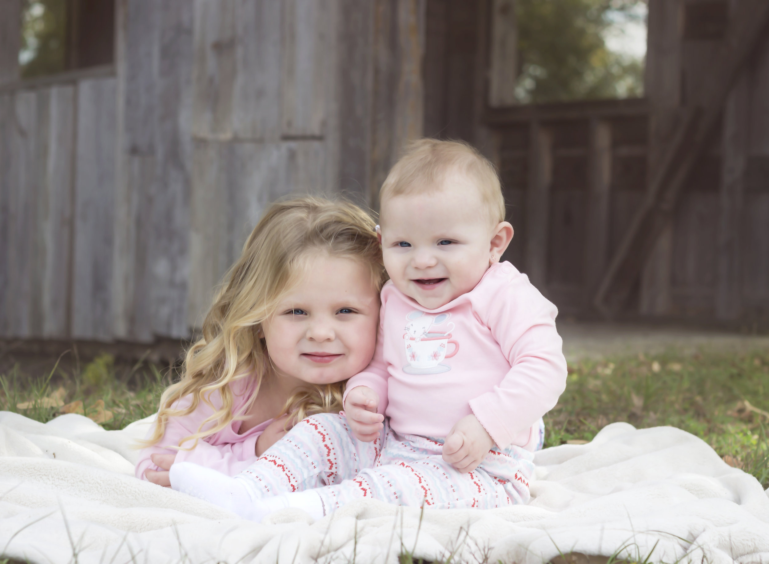Avrey and Sister Zoey 2015