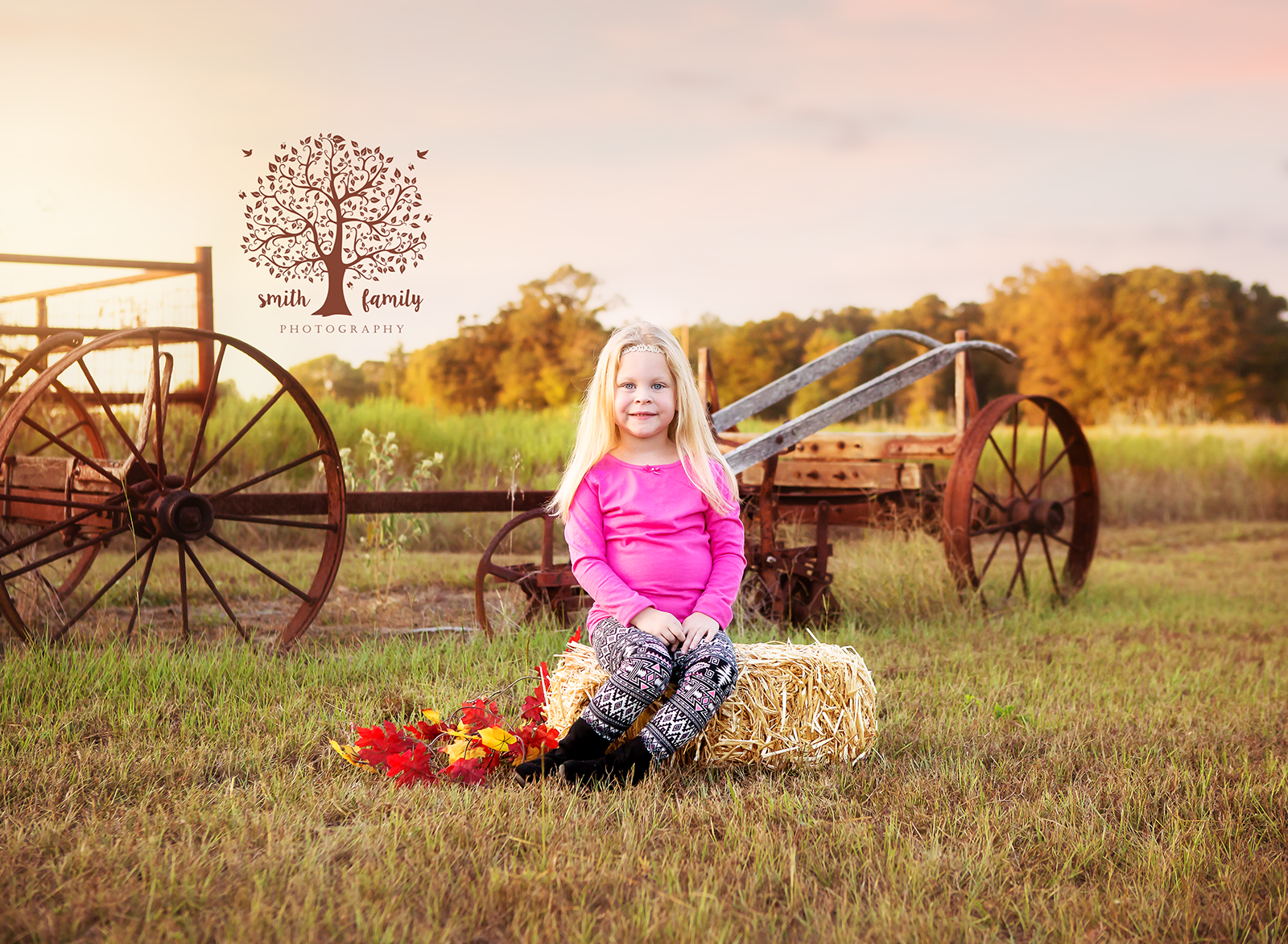 2017 - Family Session. For this session they ventured out to Limestone County for a rustic session at the family ranch.