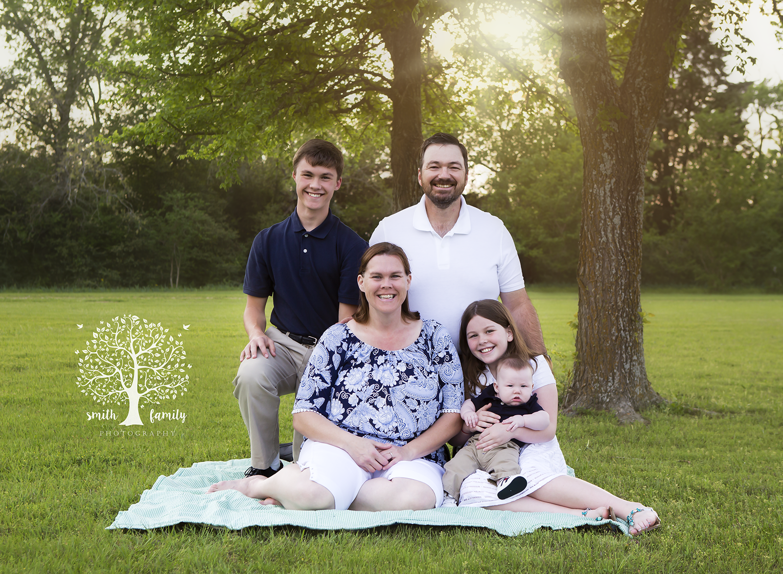 2017 - Family Session. And just like that the Dale Family grew by one!