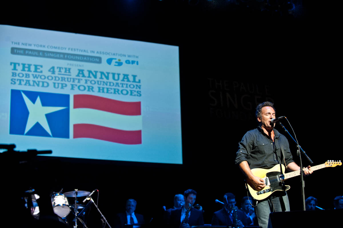 Stand Up for Heroes (SUFH)— one of New York's most anticipated nights of hope, healing and laughter— is slated to make its West Coast debut in San Francisco on Thursday, May 17 at The Masonic, featuring extraordinary live performances by musical guest Collective Soul and comedians Dave Attell, Donnell Rawlings, Jeff Ross and special guests.