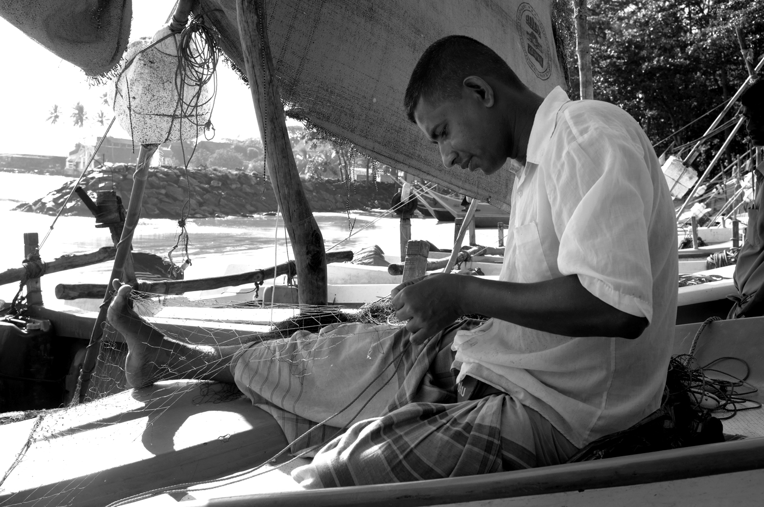 Fishermen Reparing Net - Galle.jpg