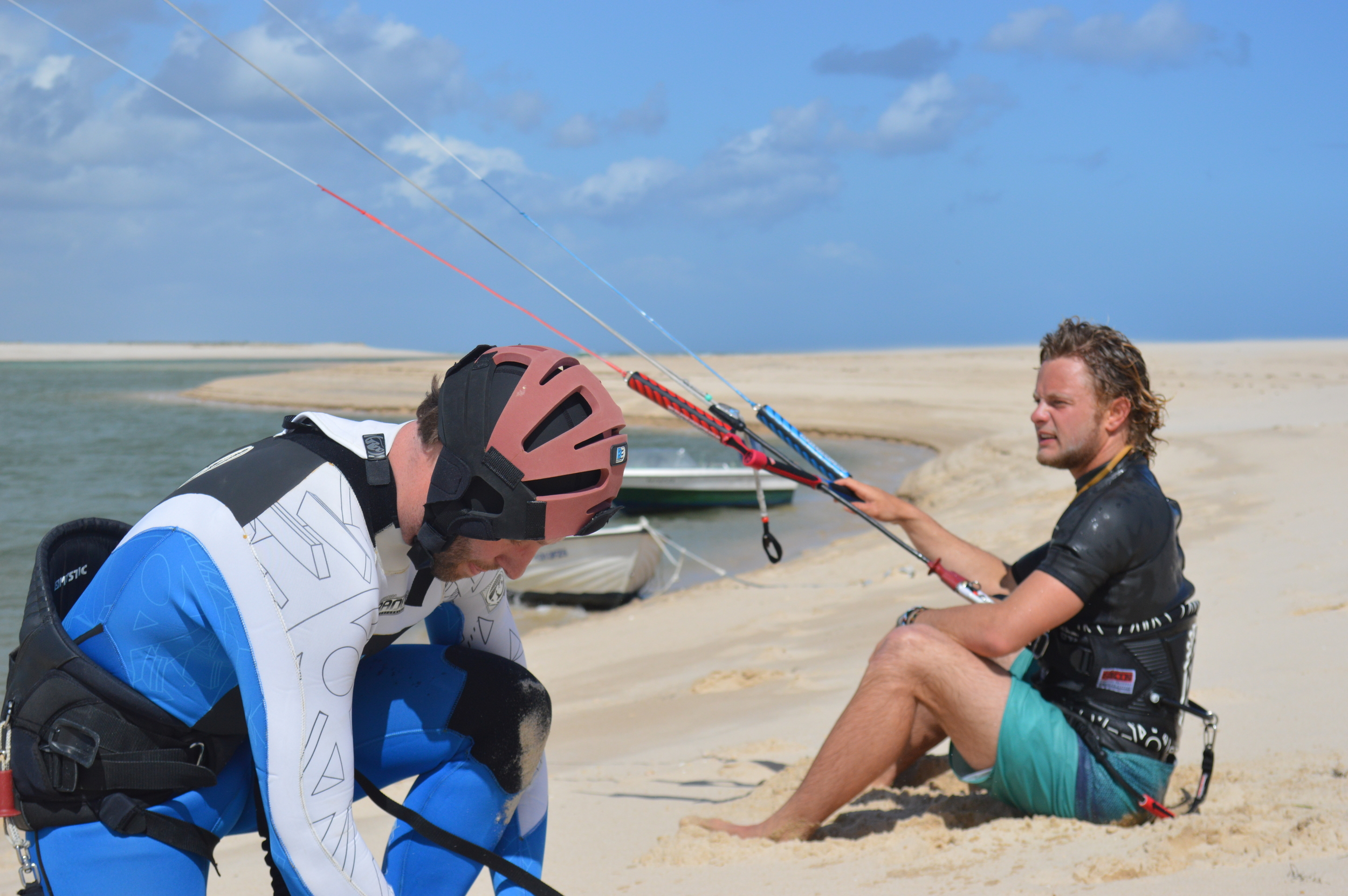 Getting ready to Kite Surf - Fuzeta beach