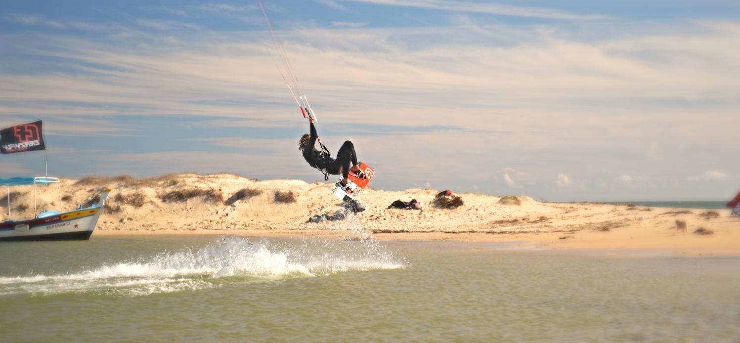 Kitesurfing in Fuseta Lagoon