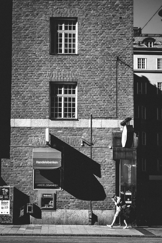 ATM drops shadow, Kungsholmen, Stockholm