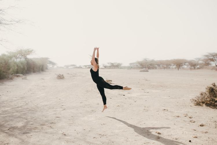 Nicole+Ens+-+desert+dance+2.jpg