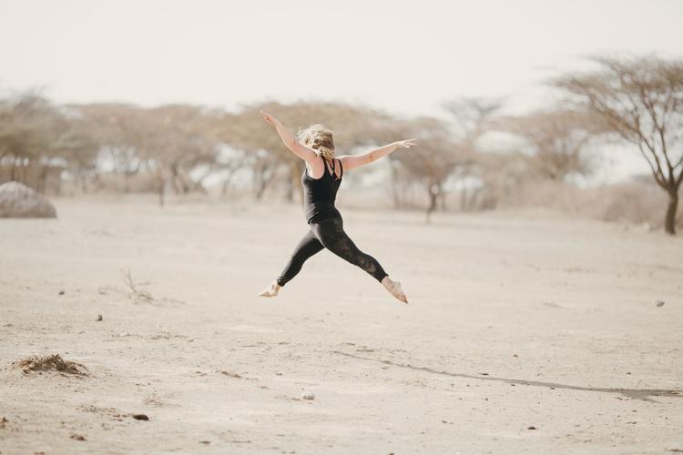 Nicole+Ens+-+desert+dance+7.jpg