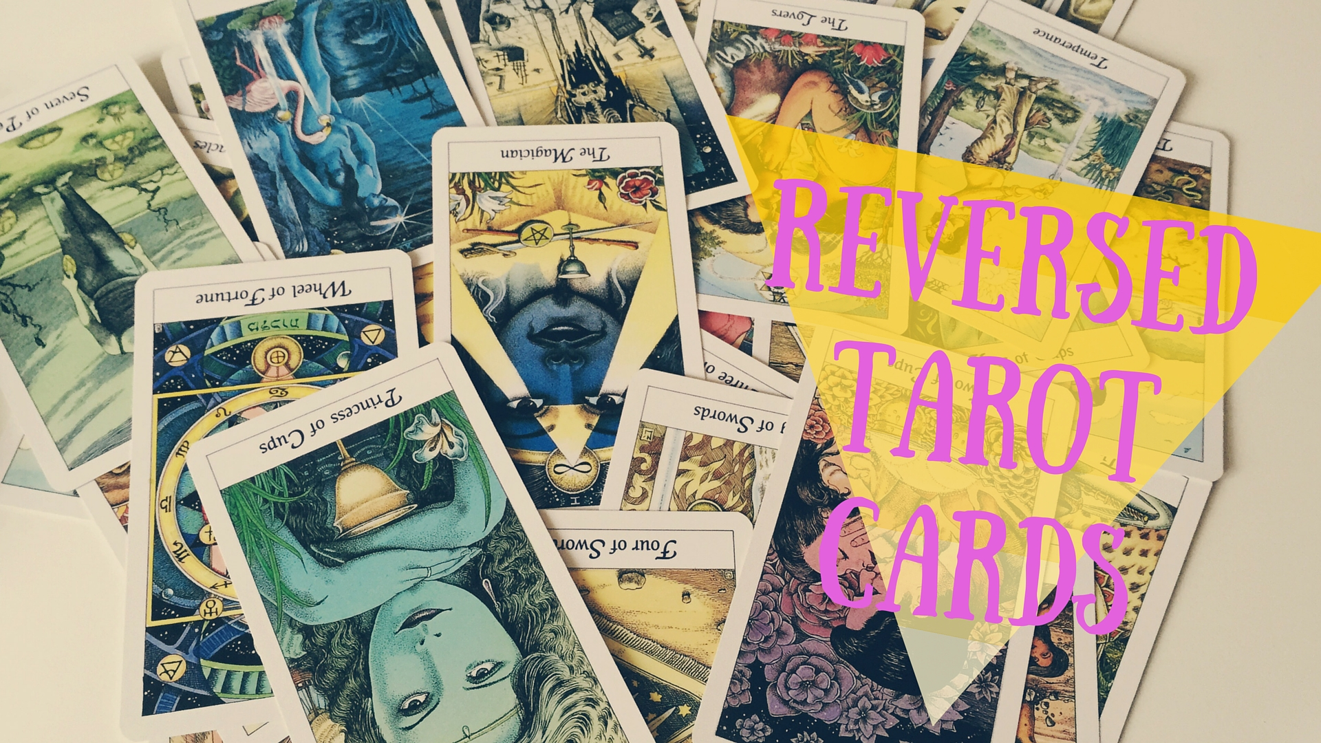How to read reversed tarot cards with Vix from New Age Hipster! x