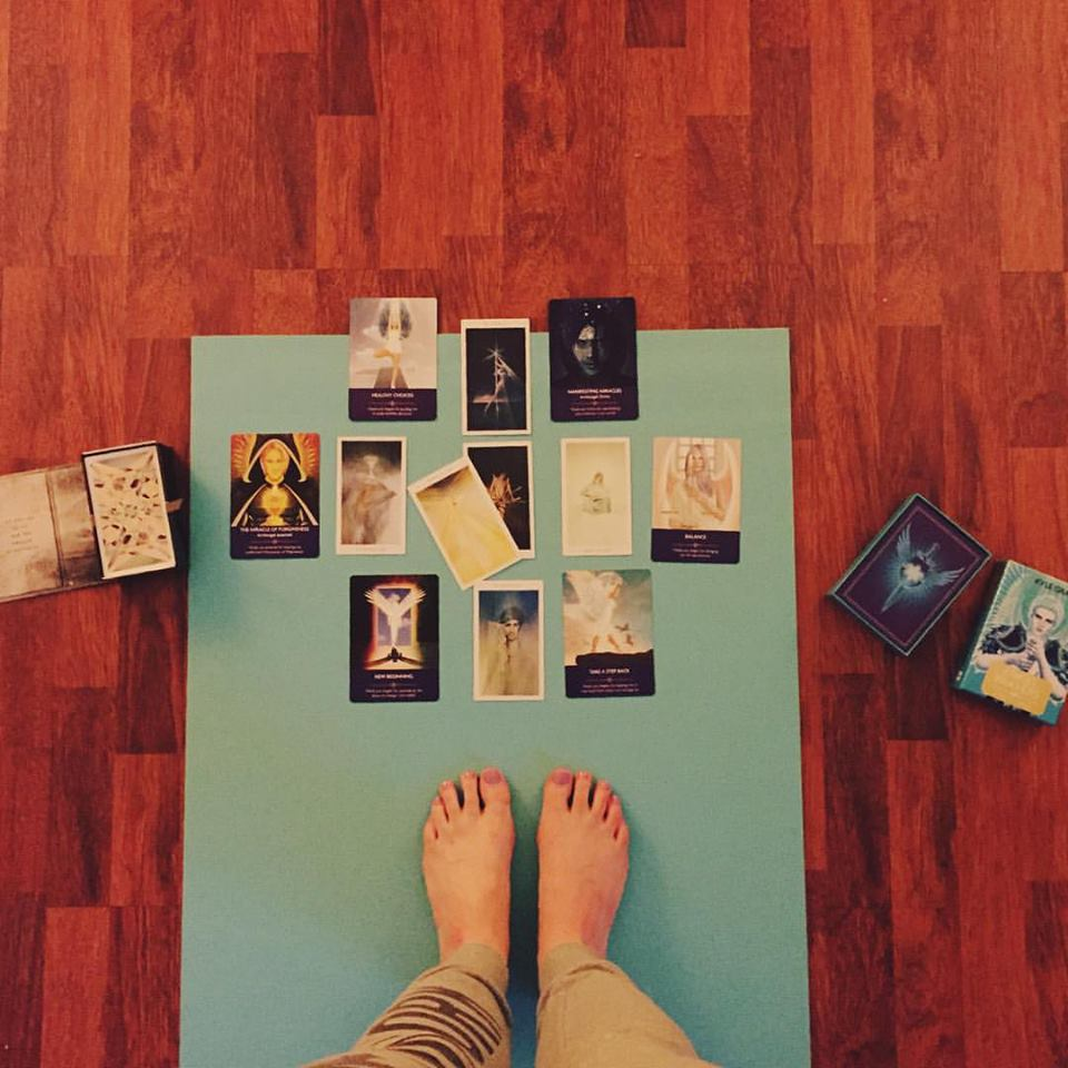 A morning Yoga + Tarot session with the Angel Prayers deck and the Fountain Tarot x