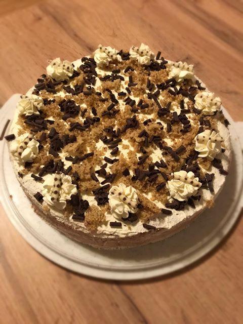 Nuss-Schokolade-Torte.jpg