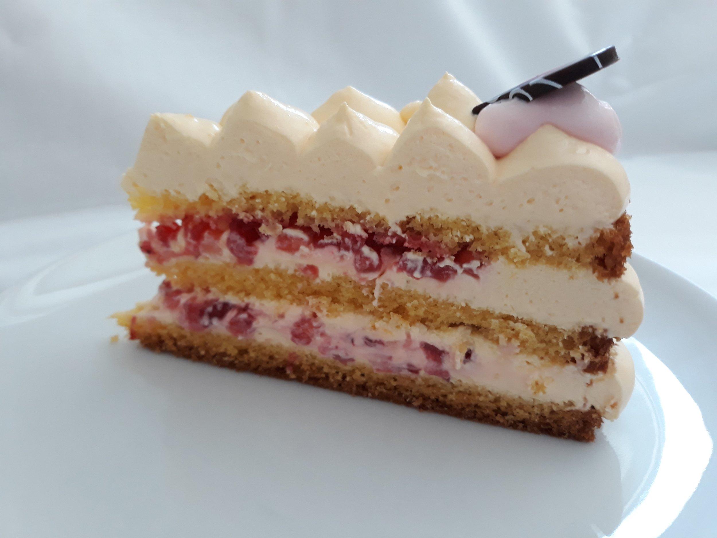 Vanille-Erdbeer-Torte.jpg