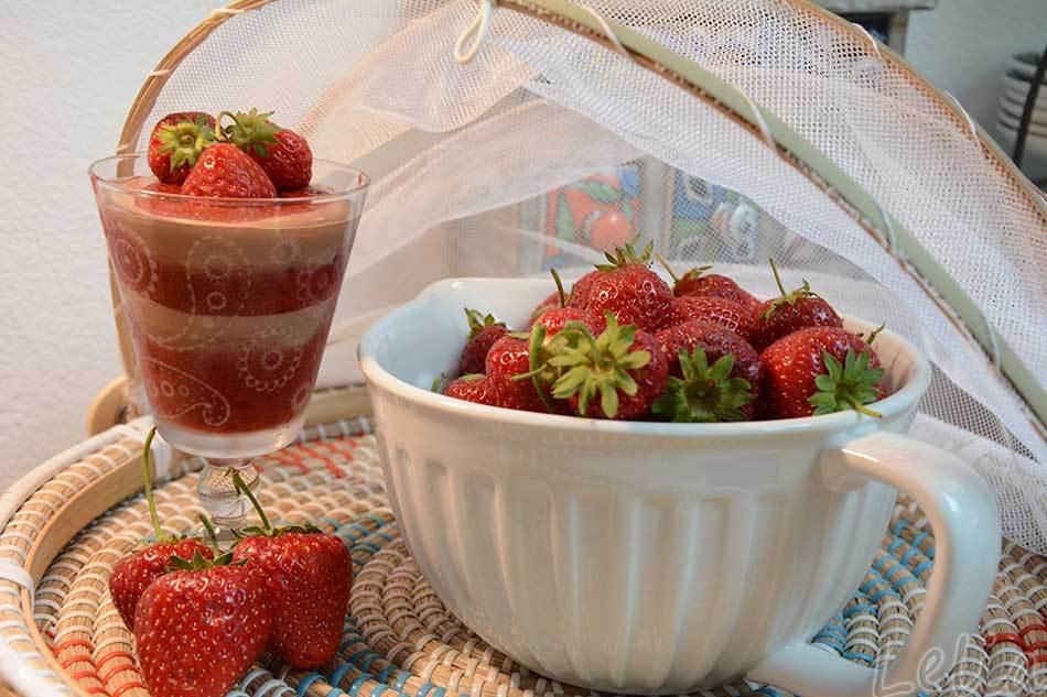 Erdbeermus-Schichtdessert.jpg