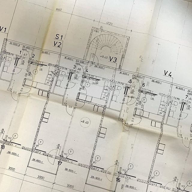 Sometimes to create new building you have to look at very, very old drawings 😄  #mondayfunday #architecture #floorplan . . . #studenthousing #olddrawings #architecturedose #architects #architectslife #floorplanman #arquitectura #arkitektur #архитектура #architettura #architektur #architects #arquitectura #unbuiltarchitecture #arkitektur #finearchitecture #archidaily #instaarchitecture #architettura #architecturephotograpy #pictureoftheday #dust #history