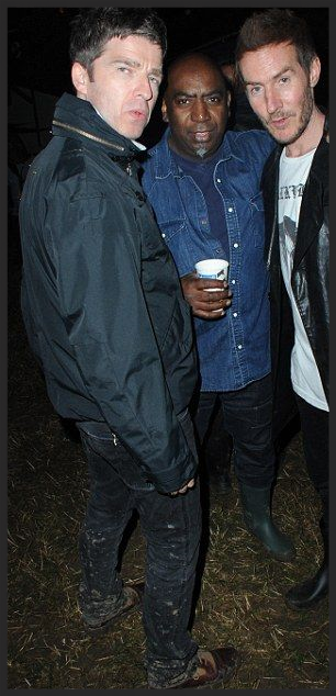 3D and Noel Gallagher pictured together at last year's Glastonbury after Massive Attack's live set. More info about Battle Box 004 from Vinyl Factory .